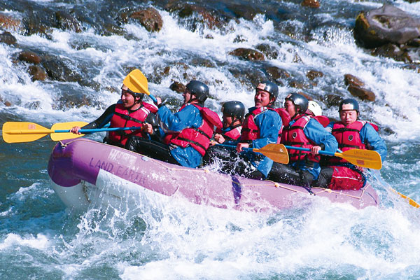Rafting down Kuma-gawa river
